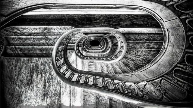 Читайте ряд гениальных произведений экзистенциальной философии
